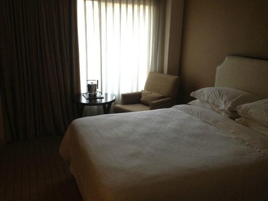 Sheraton San Jose Hotel: Seating area/window