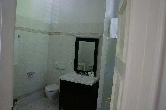 Villa Trapp: The Maria Suite bathroom.