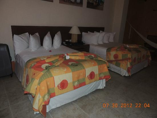 Hacienda Misne: Two double beds