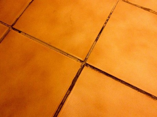 Water Street Inn: More Sharp Tiles & Missing Grout