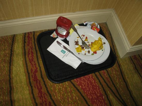 Embassy Suites by Hilton Los Angeles Glendale: This was left in the hall from 3 pm until the next morning