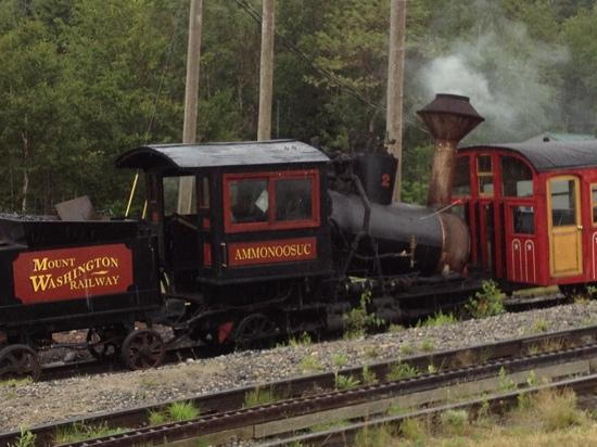 Mount Washington Valley: steam train to the top !