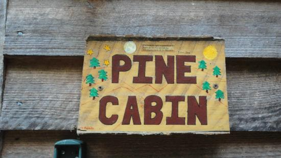Broadwing Farm Cabins: Sign on the cabin