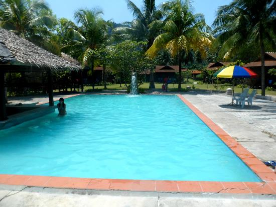 D'Coconut Resort: Swimming pool area