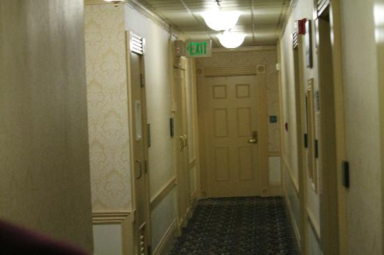 The Opal San Francisco: Hallway