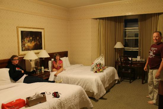 The Opal San Francisco: Spacious room though