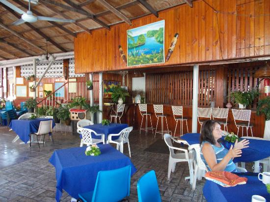 Verney's Tropical Resort: This is a spacious dining area
