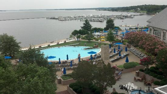 Hyatt Regency Chesapeake Bay Golf Resort, Spa & Marina: View from 5th Floor Elevator area