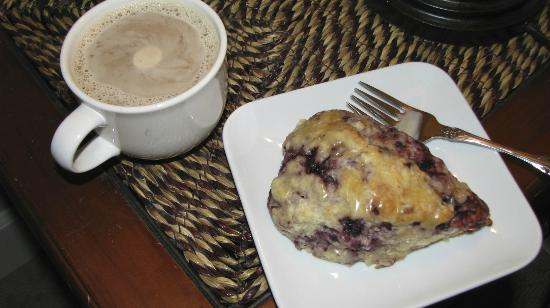 Viewmont Manor: Scones & Coffee