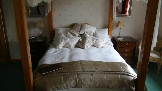 West Point B&B: Very nice and comfortable 4 poster bed