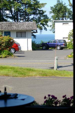 Ocean Crest Resort: View from front window to main buildings of resort