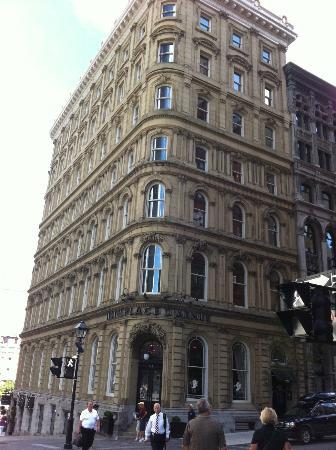 Hôtel Place d'Armes: great location!
