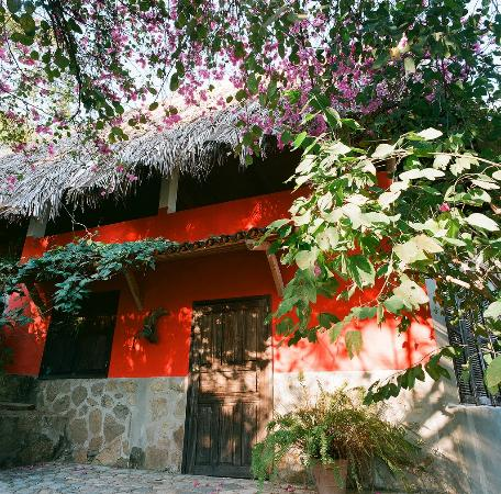 Casas de los Suenos: The entry way to casa Buena Vista