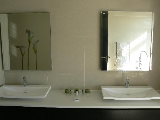 Azamare Guesthouse: Bathroom - Triton room