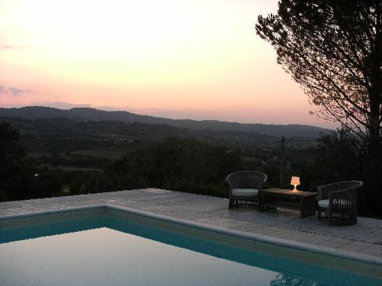 B&B In Villa: Piscina al tramonto