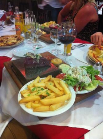Solar da Ajuda : steak on a stone!