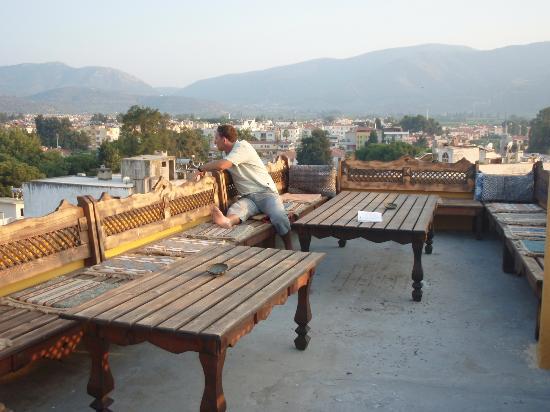 โฮเมรอสเพนชั่น & เกสท์เฮ้าส์: Terrasse pour l'apéro vue magnifique sur la ville