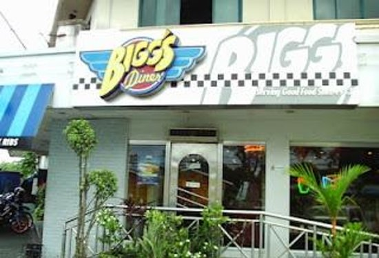 Biggs Diner: Facade of Bigg's Diner.