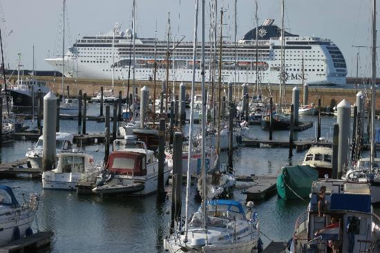 Ijmuiden, Holland: Uitzicht hotel