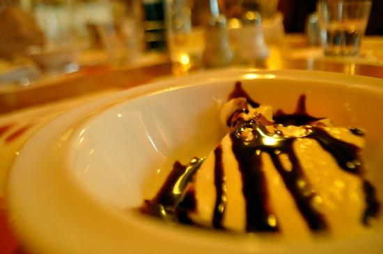 Tutto Bono: dessert that we tho a 'ricotta pudding' w/ chocolate sauce :p