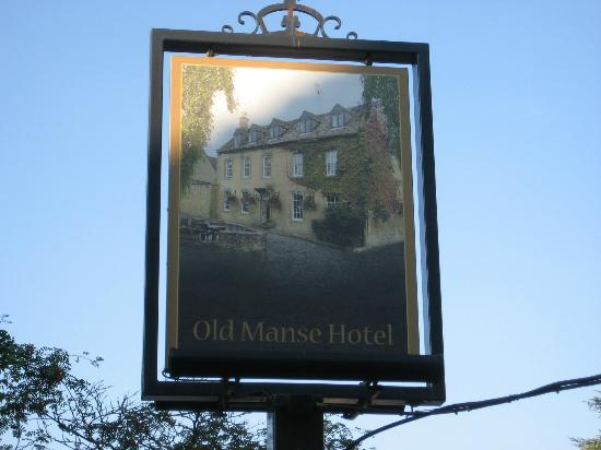 Old Manse Hotel Restaurant: Old Manse by the stream