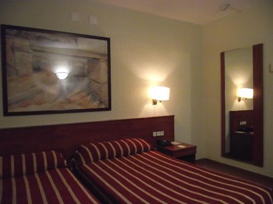 Hotel Catalonia Park Putxet: Комната