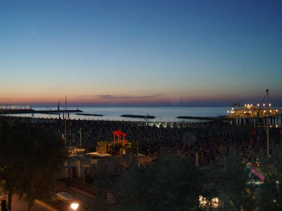 Hotel Resort Marinella : Spiaggia Gabicce al tramonto