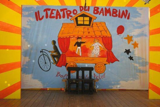 Hotel Baltic : Teatro