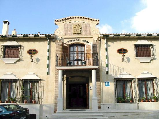La Posada Del Conde: Vista exterior del Hotel