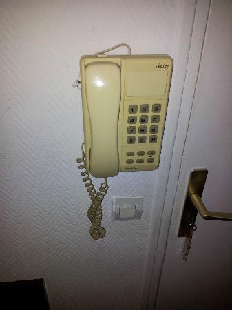 Hotel Choisy: crasse sur le telephone
