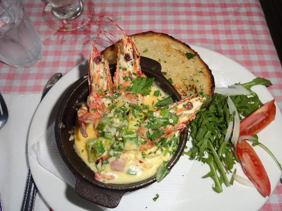 Chiantti's Pizzeria: garlic prawn hot pot