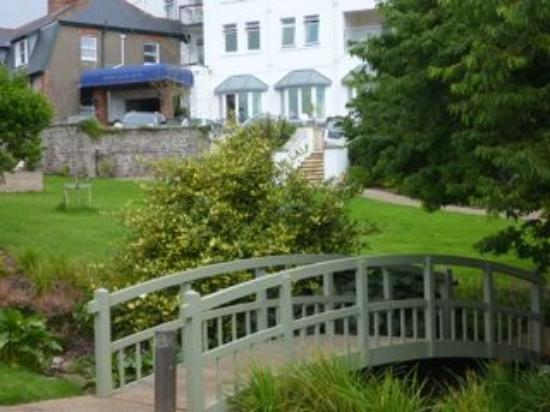 Thurlestone Hotel: Gardens to relax in