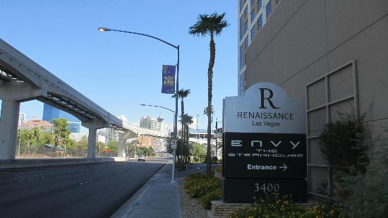 Renaissance Las Vegas Hotel: Entry on Paradise (easy to miss)