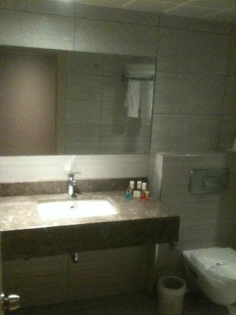 Susuzlu Otel: banyo