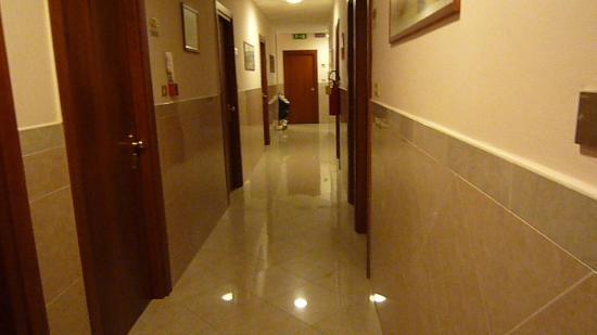 Hotel Terminus & Plaza : Couloir