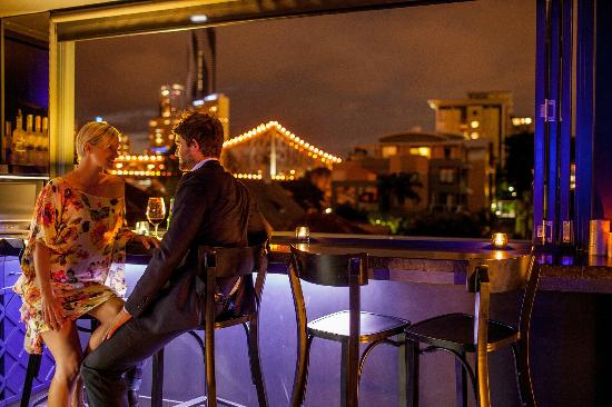 Spicers Balfour Hotel: Rooftop bar with Story Bridge Views