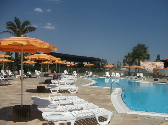 Torreserena Village: piscina e idromassaggio