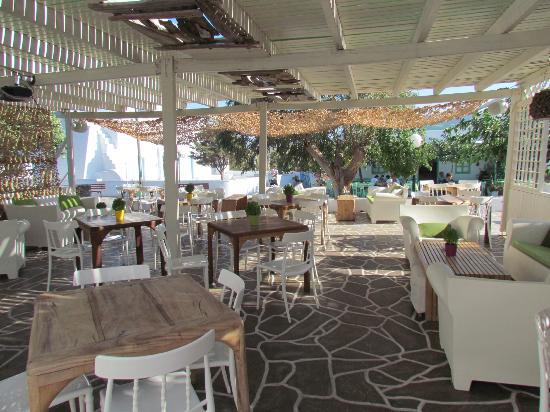 Smaragdi Hotel: La terrasse du bar extérieur