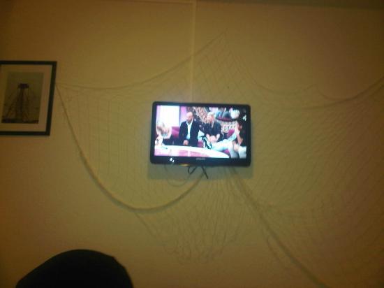 Inter-Hotel Foncillon : Room decoration with mini fishing net