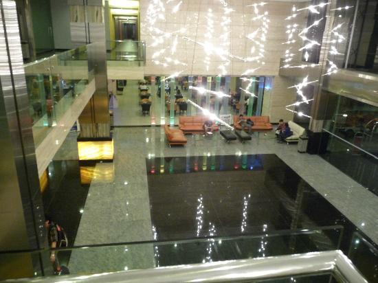 FM7 Resort Hotel Jakarta : Hall d'entrée et réception