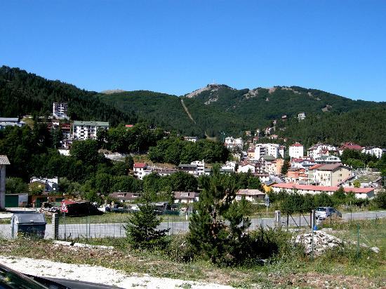 Garni Le Ortensie: Roccaraso vista dall'hotel