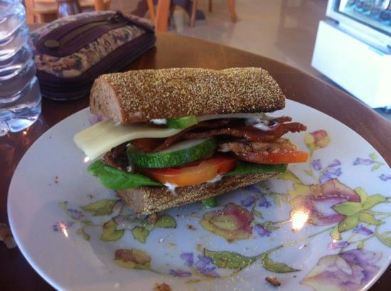 Sandwich Shoppe Chalong: Nice THICK slices of bacon.