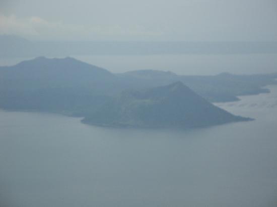 Batangas Province, Filippinerna: TAAL VOLCANO, TAGAYTAY, MANILA