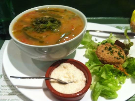 Halles Auberge: soupe au pistou haricot coco !!! hummm souvenir souvenir vivement temps froid:-)