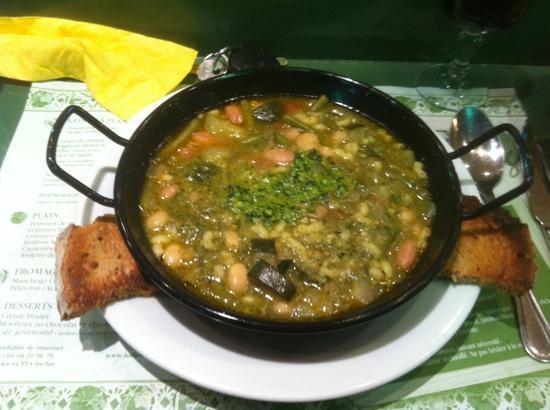 Halles Auberge: soupe au pistou ( tous les jours un plat varié) parmi tous ceux de la carte