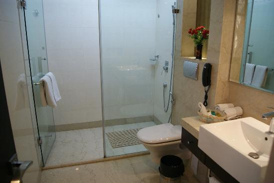 Hotel Florence: Bathroom