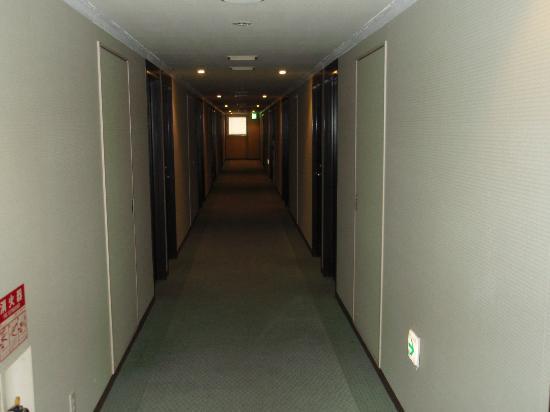 Hotel Claiton Shinosaka: 廊下