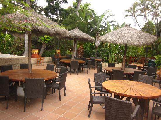 Park Club Europe Hotel: Hotel + piscine