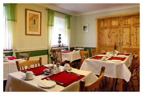 Woodside Lodge: Dining