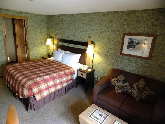 Fox Hotel & Suites: グループの部屋割りからダブルをシングル利用
